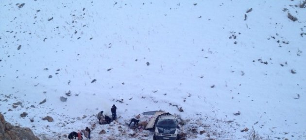 Çatak'ta Trafik Kazası; 2 Yaralı