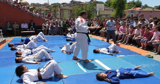 Çaydüzü İlköğretim Okulu'nda Judo tanıtımı