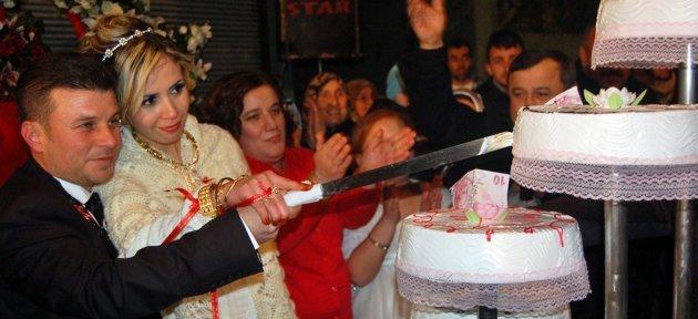 Cezayirli Meryem Gönlünü Recep'e Kaptırdı