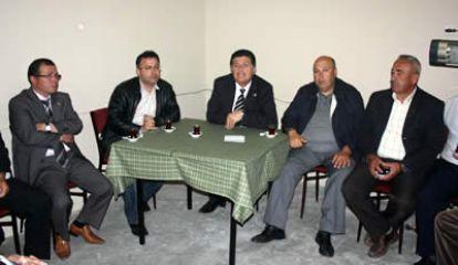 CHP adayı seçim gezilerine devam ediyor