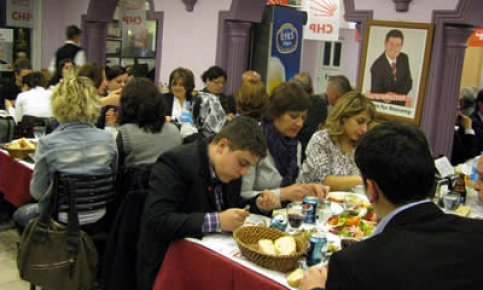 CHP örgütleri Amasra'da dayanışma yemeğinde