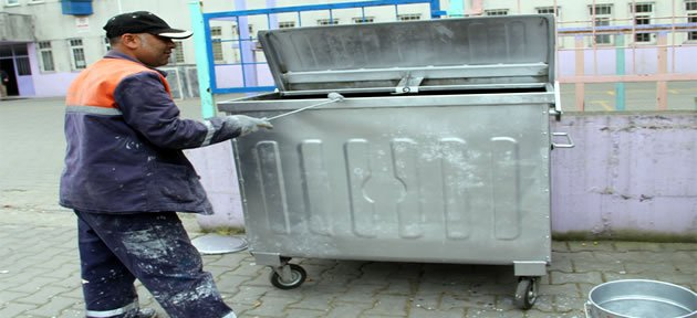Çöp konteynırlarına bakım