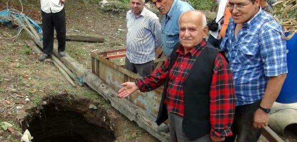 Köyde Esrarengiz Çukur