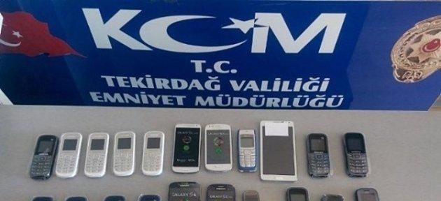 Dolandırıcı 185 Kaçak Telefonla Yakalandı