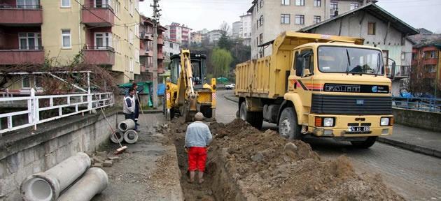 Ekipler Kemal Altıntel Sokak'ta