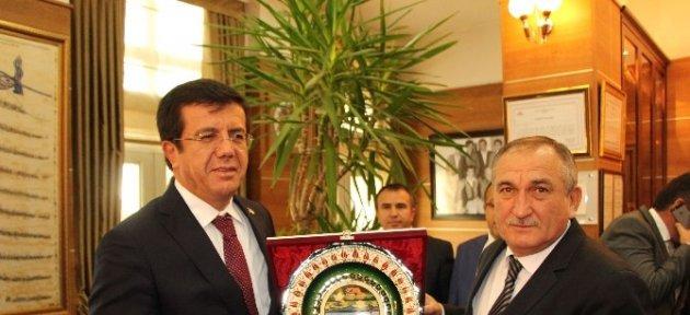 Ekonomi Bakanı Zeybekci'den Köroğlu Filmine Destek Sözü