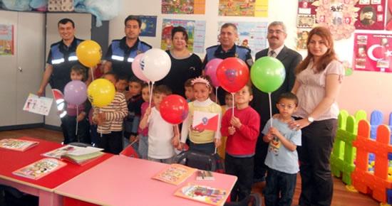 Emniyet'ten Karahüseyinli İlköğretim Okulu'na ziyaret
