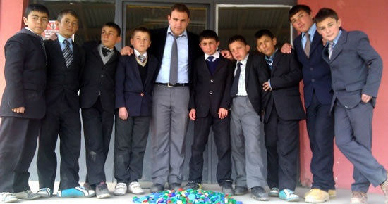Erzurum Şenkaya'dan Altın Eller'e Destek