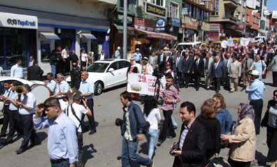 Festival Yürüyüşü Yapıldı