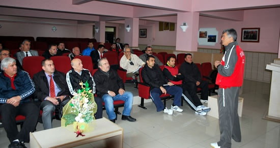 Futsal Eğitim Semineri Düzenlendi