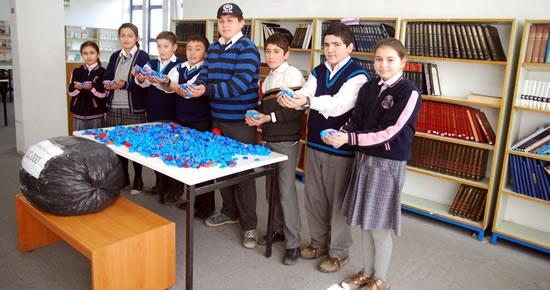 Gazi İlköğretim'den 15.000 kapak