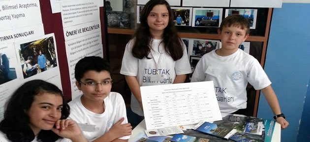 Gazi Ortaokulu'nda Bilim Fuarı