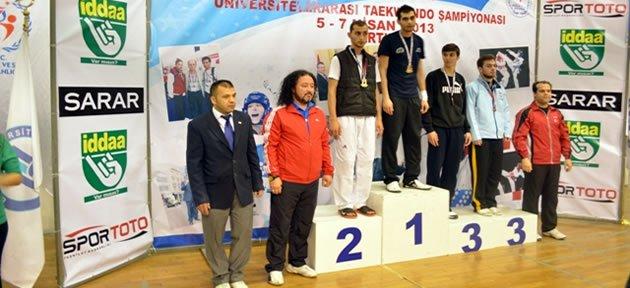 Gazi ve Karamanoğlu Mehmet Bey şampiyon