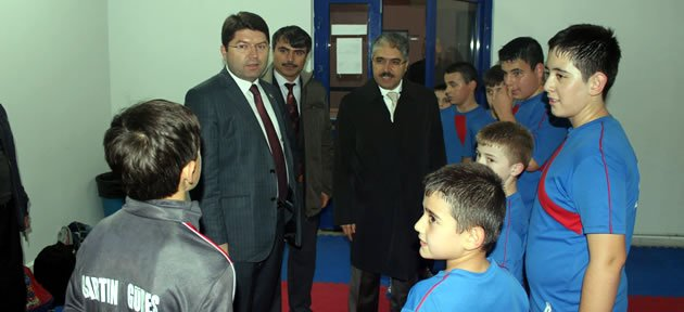 Genç Güreşçilere Ziyaret
