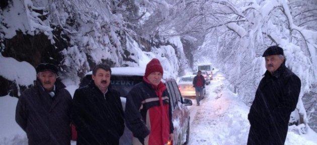 Gümeli'de Kar Kalınlığı 60 Santimetreyi Buldu