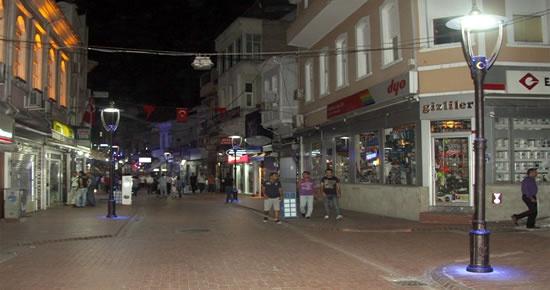Hükümet Caddesine antik LED