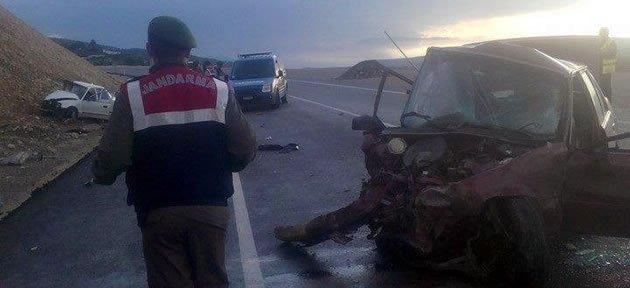 İki Ayrı Kazada 3 Kişi Öldü, 5 Kişi Yaralandı