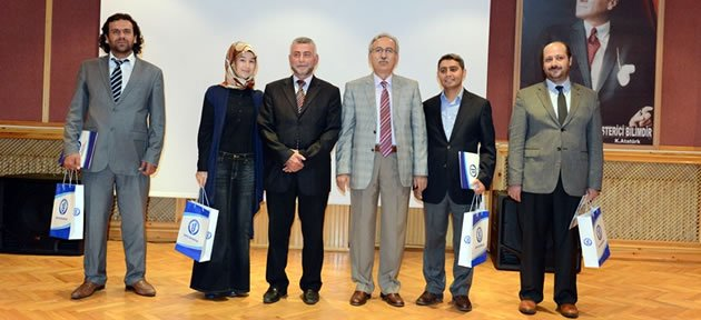 İslami İlimler Fakültesi'nde Arapça Paneli
