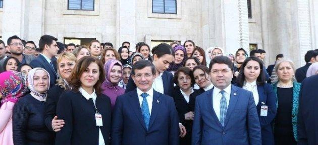 Kadın Kolları Teşkilatı Başbakan Davutoğlu İle Buluştu