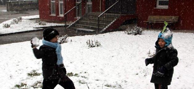 Karabük'te Kar Yağışı Etkisini Sürdürüyor