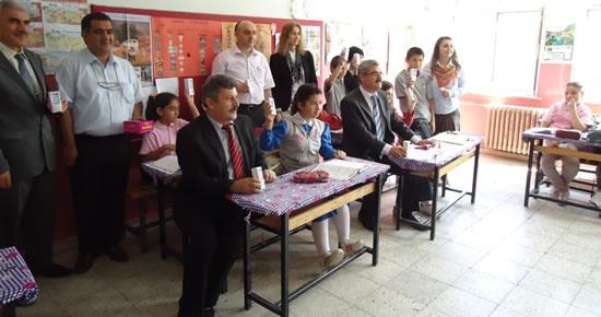 Karahüseyinli İlköğretim Okulu'nda süt dağıtım etkinliği