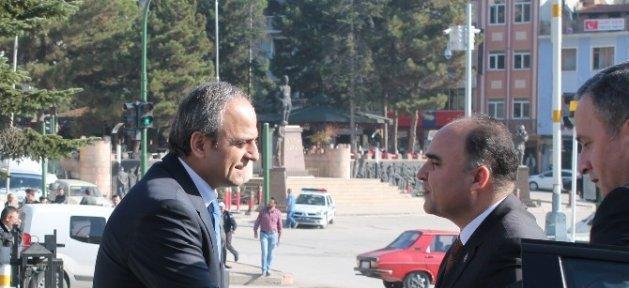 Vali Şehmus Günaydın Tosya'da İncelemelerde Bulundu