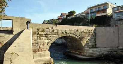 Kemere Köprüsü yıkılma tehlikesi ile karşı karşıya