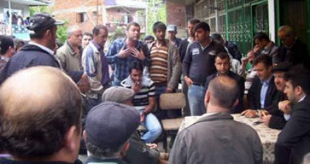 Köylüler su için para toplanmasına tepkili