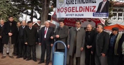 Kozcağız Belediyesi 2000 kişiye aşure dağıttı