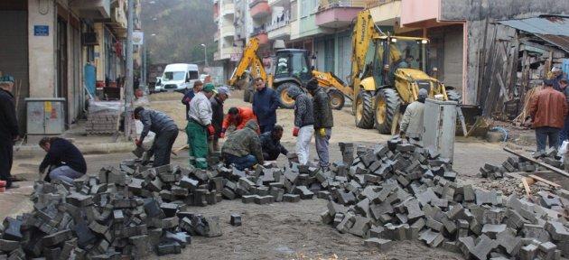 Kozcağız'da Ara Caddelerde Yol Çalışmalarına Başlandı