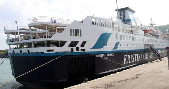 Kristina Katarina 335 yolcusuyla ile Bartın Limanı'na demirledi