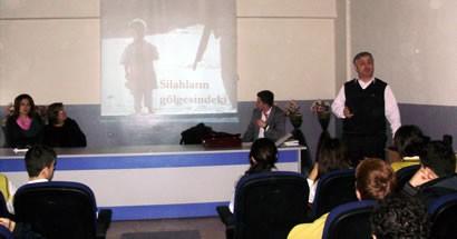 Lise öğrencilerine İnsan Hakları semineri