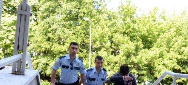 Lise Öğrencisinin Telefonunu Gasp Eden Zanlı Tutuklandı