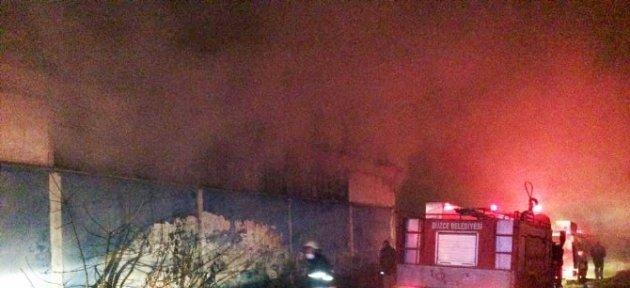 Madde Bağımlıları Terk Edilmiş Fabrikada Yangın Çıkardı