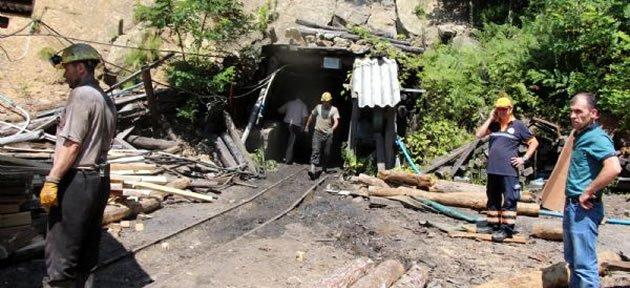 Maden Ocağında Göçük: 9 Madenci Mahsur