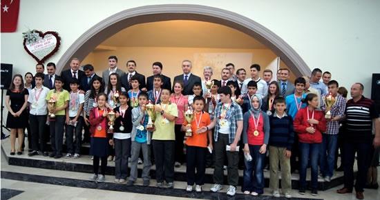 Matematik Ligi şampiyonlarına ödül