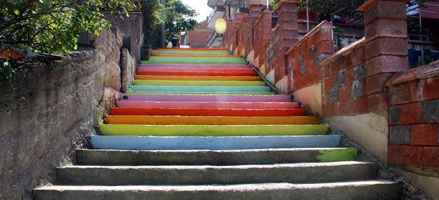 Merdivenler Rengarenk Oluyor