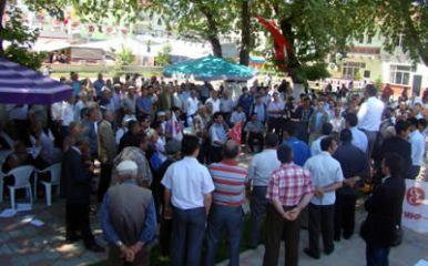 MHP Abdipaşa'da gövde gösterisi yaptı