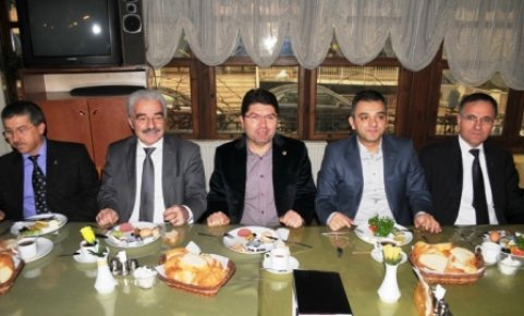 """""""MHP döneminde bir fabrika bile açılmadı"""""""