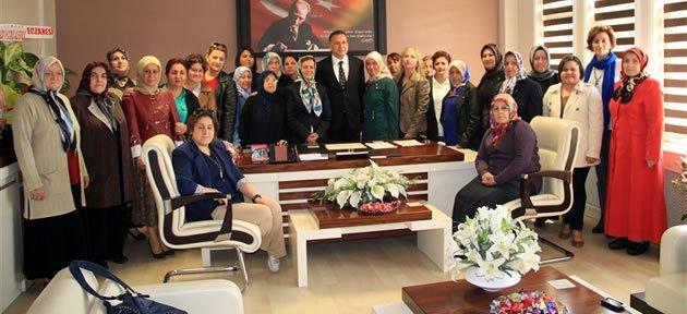 MHP Kadın Kolları'ndan Can'a Ziyaret