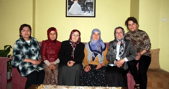 MHP Kadın Kolları'ndan şehit ailelerine ziyaret