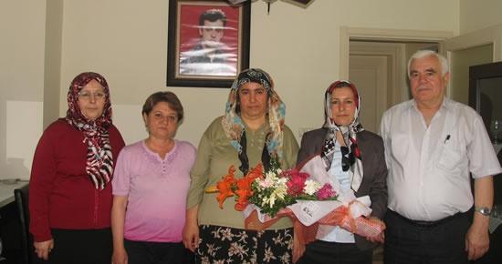 MHP Kadın Kolları'ndan Şehit Erdal Çakır'ın ailesine ziyaret