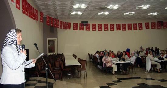 MHP'den Anneler Günü etkinliği