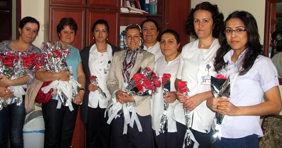 MHP'den Hemşireler Haftası ve Eczacılar Günü ziyaretleri