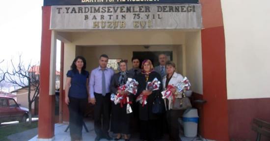 MHP'den Huzurevi'ne ziyaret
