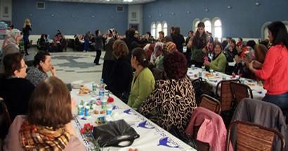 MHP'li kadınlardan 8 Mart etkinliği