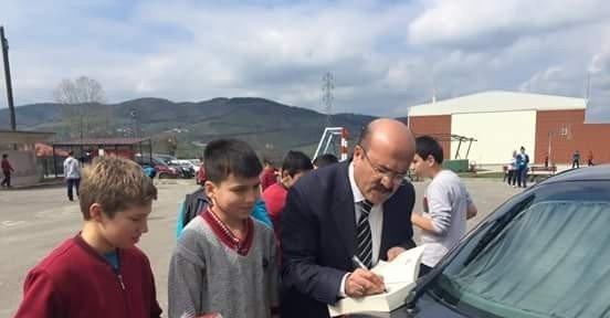 Milli Eğitim Müdürü Demir, Öğrencileri Ödüllendirdi
