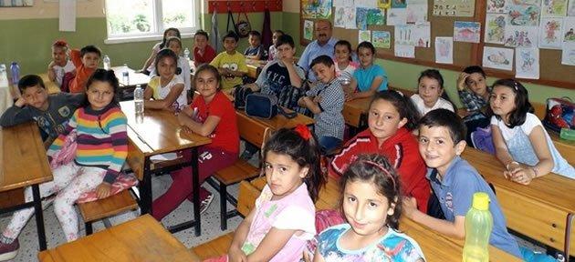 Milli Eğitim Müdüründen Okullara Ziyaret