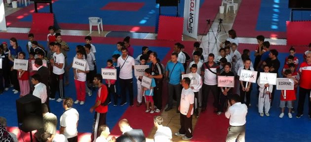 Minik Taekwondocuların Madalya Şansızlığı