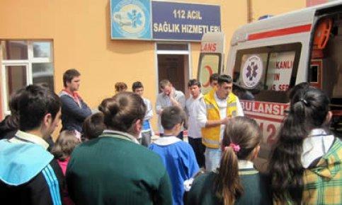 Öğrenciler 112 Komuta Kontrol Merkezi'nde
